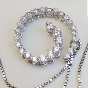 Jewelry - 14k white gold diamond journey necklace